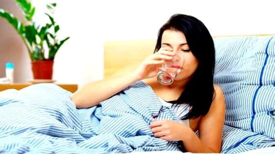 बासी मुंह पानी पीने से होने वाले  फायदे - BENEFITS OF STALE MOUTH TO DRINK WATER IN HINDI